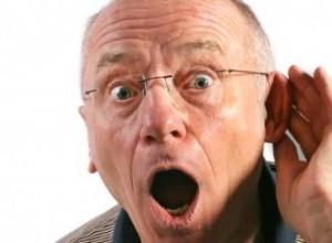 Das Hörgerät nimmt eine im Alter immer wichtigere Rolle ein