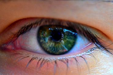 Eine Augen-Akupunktur findet bei Augenerkrankungen Einsatz