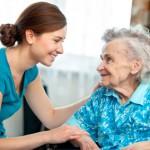 Der Abschluss einer privaten Pflegezusatzversicherung schützt im Pflegefall zusätzlich