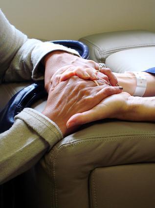 Die Hautalterung bei Senioren ist ein natürlicher Prozess