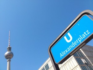 Berlin ist mittels Bahn und Auto erreichbar