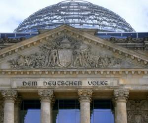 Der Berliner Reichstags ist Sitz der deutschen Regierung